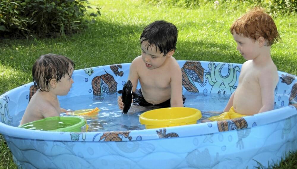 TØM BASSENGET: Når et plaskebasseng ikke er i bruk, bør det tømmes for vann.