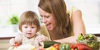 """GRØNNSAKSGLEDE: Får du i barnet ditt """"5 om dagen"""", blir motstandskraften mot virus styrket."""