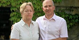 VANNFORGIFTET: Britiske Dawn Page (52) er helt avhengig av ektemannen Geoffs hjelp etter at hun ble hjerneskadet av en vanndiett.