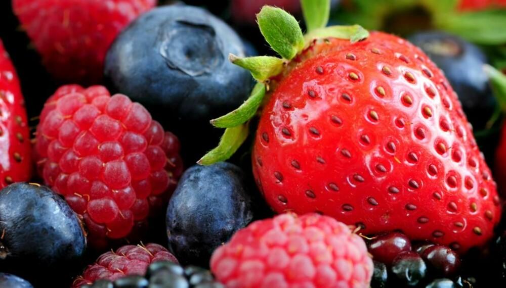 BÆR: En porsjon bær inneholder store mengder antioksidanter.