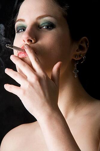 MASSE AKRYLAMID: Røykere får i seg fire ganger mer akrylamid enn ikke-røykere.