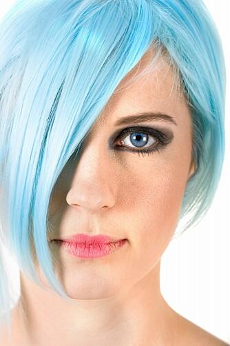 KAN FARGES: De fleste vil se grå hår før fylte 35. Men det finnes løsninger.