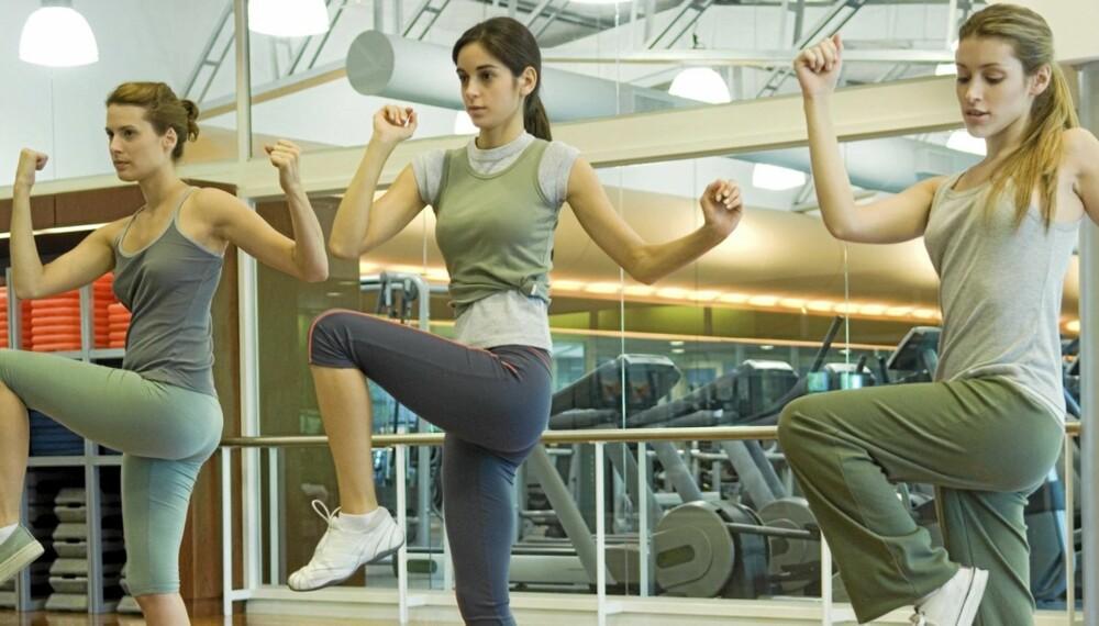 AEROBIC: To av fem jenter som trener aerobic er plaget av ufrivillig vannlating eller inkontinens, viser en norsk studie.