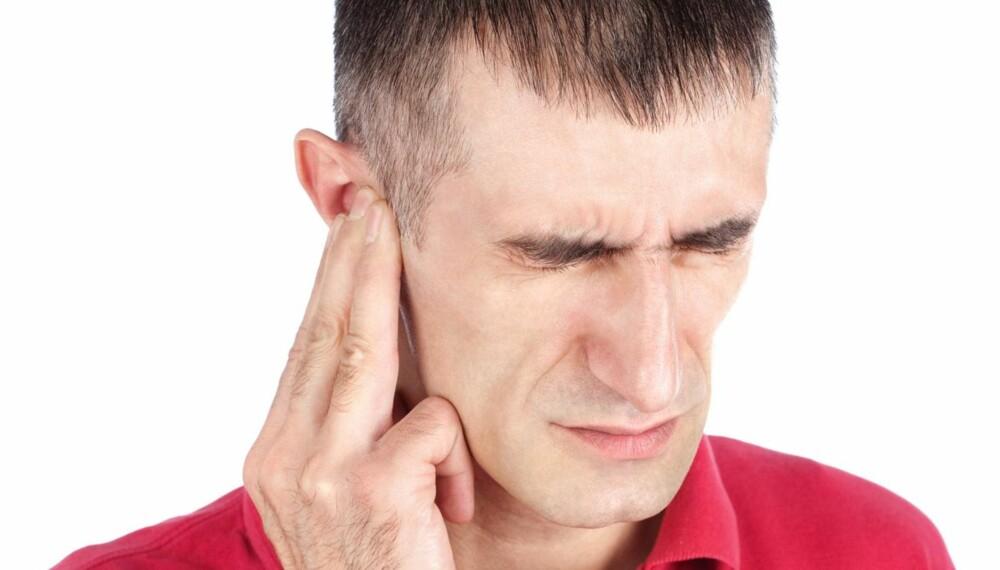 VONDT I ØRET: Mange mennesker er svært kreative når det gjelder instrumenter de renser ørene med, men husk at en finger faktisk er nok til å gjøre skade. ILLUSTRASJONSFOTO: Thinkstockphotos