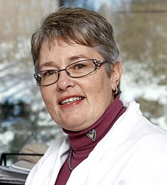 MÅ DEKKE SELV: Nevrolog Aud Nome Dueland advarer mot at Botox ikke virker for alle. Pasientene må selv dekke behandlingen fordi Botox ikke er godkjent som migrenemedisin. FOTO: Bjørn Inge Karlsen, HM Foto