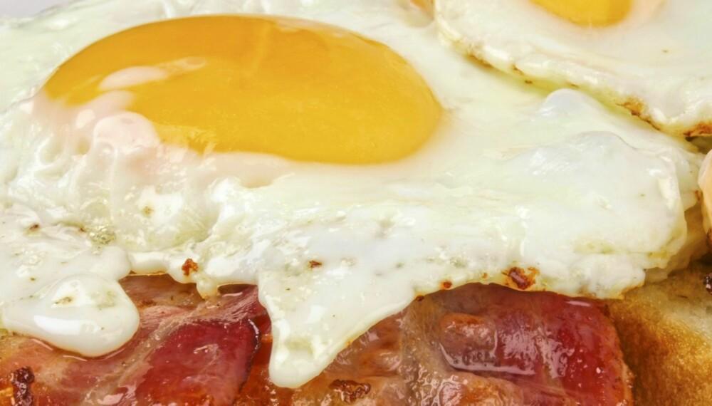 LAVKARBO: - Egg og bacon er et måltid som inneholder mye fett og protein og lite karbohydrater. Det er ikke slik at man kan spise slik mat fritt. Fordelen med slik mat er at det høye proteininnholdet gjør at maten metter godt. Dermed spiser man kanskje mindre enn man ellers ville ha gjort, sier ernæringsfysiolog Cathrine Borchsenius.