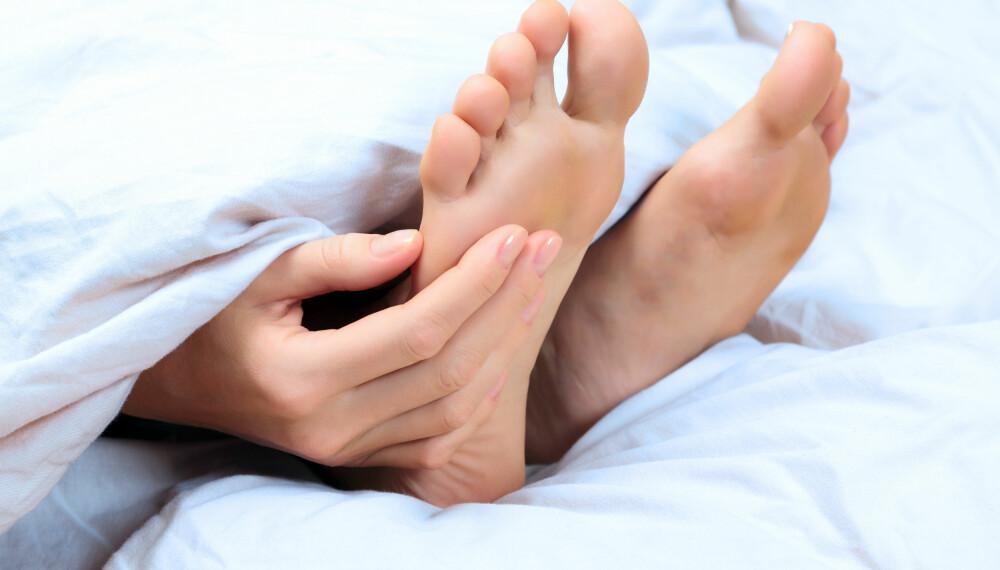 DOVEN KROPPSDEL: Det er ikke uvanlig at foten eller armen sover mens du gjør det.