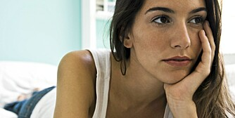 SOSIAL ANGST: Sosial angst er en psykiatrisk lidelse som omfatter en intens frykt for visse sosiale situasjoner. Situasjoner blir enten unngått eller utholdt med betydelig stress.