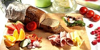 Ingers rugbrød, Ingers speltbrød eller Ingers lunsjbriks sikrer en god start på dagen.         _Slank til sommeren- minus 5 kilo på 20 dager_
