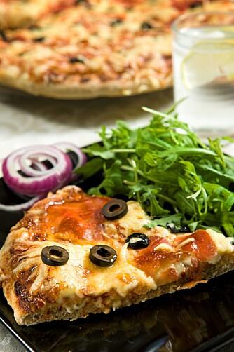 Hjemmelaget, sunn og god fullkornpizza.