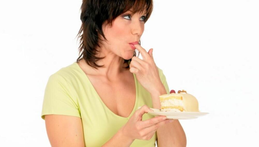 SPIS DET DU LIKER: Velger du en diett full av matvarer du ikke egentlig er så glad i, blir det vanskeligere å følge dietten. Og er det egentlig helt forbudt å spise kake hvis man skal holde seg slank?