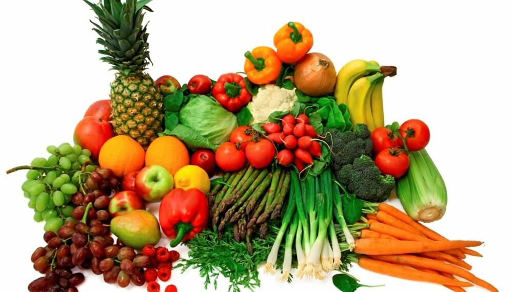 FRISKT OG FRISTENDE: Hvis du ikke vet hvordan grønnsaker og frukt skal oppbevares, blir levetiden på produktene kortere.