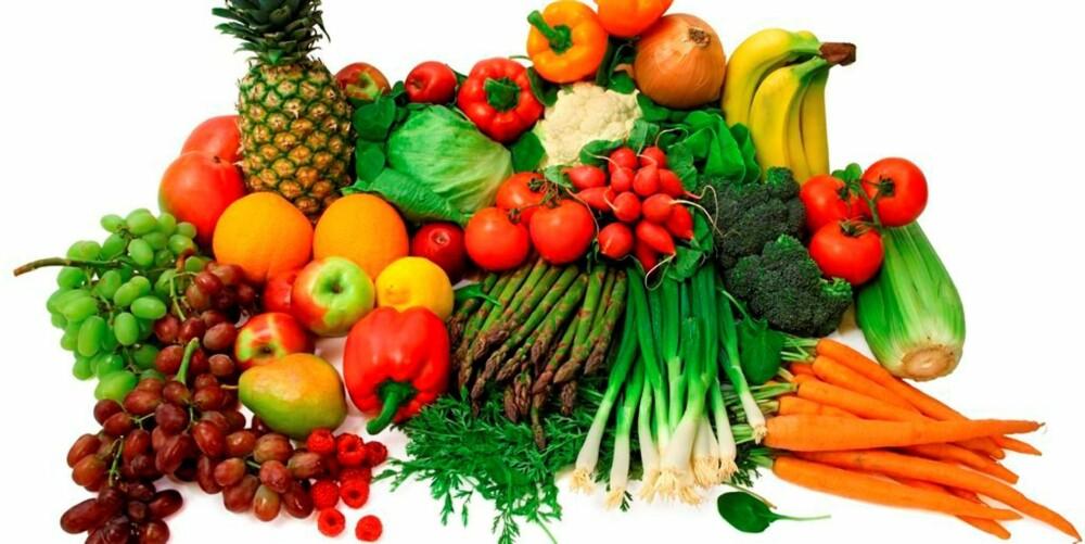 VELG GRØNT: Skal du spise sunt, må du passe på inntaket av frukt.