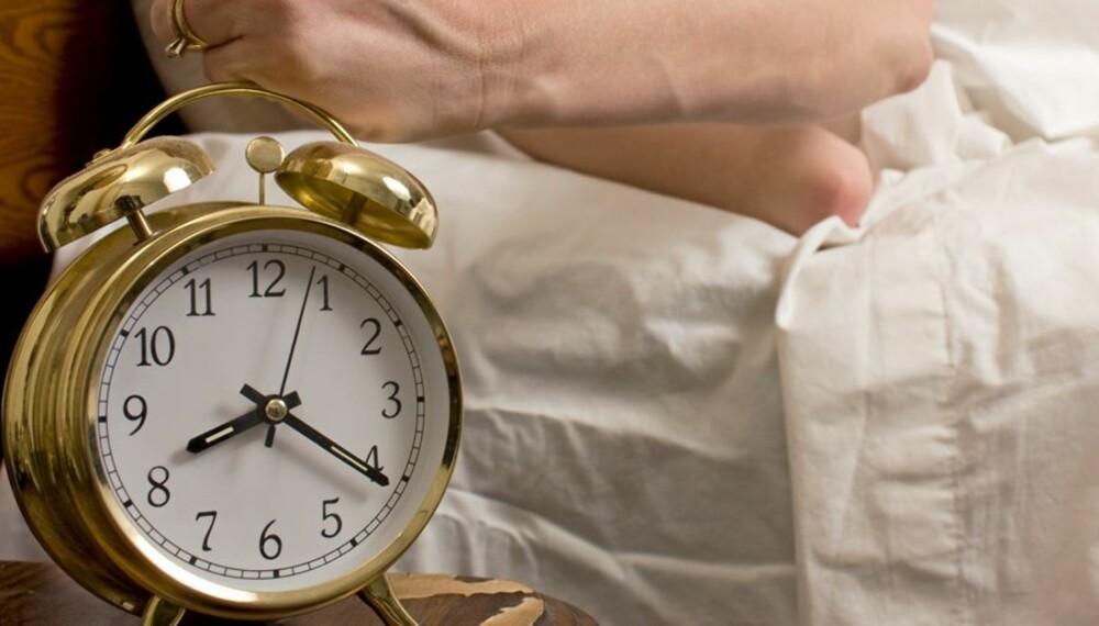 SØVNFORSTYRRELSER: Å stille klokken en time fram medfører flere hjerteinfarkt.