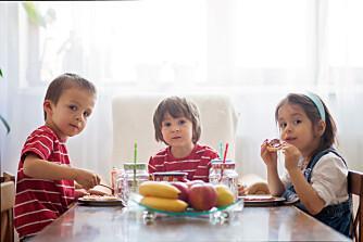 TIPS: I testen av frokostmåltider har eksperten tatt utgangspunkt i ni populære frokostfavoritter blant barna, og kommentert hvordan foreldrene kan forbedre disse. Foto: Gettyimages.com