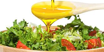 MATOLJE: Litt olivenolje på grønnsakene gjør at du tar opp K-vitaminer lettere.