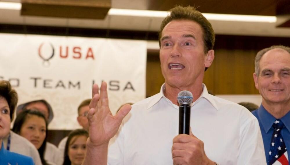 HELSEGUVERNØREN: Som den første staten i USA har Kalifornia vedtatt forbud mot transfett. Her taler guvernør Arnold Schwarzenegger   til landets OL-håp før avreise Beijing.