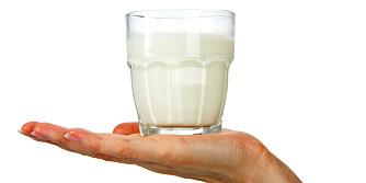 MELK OG DØDELIGHET: Ny svensk studie tyder på at å drikke melk kan gjøre at du dør tidligere. ILLUSTRASJONSFOTO: Colourbox