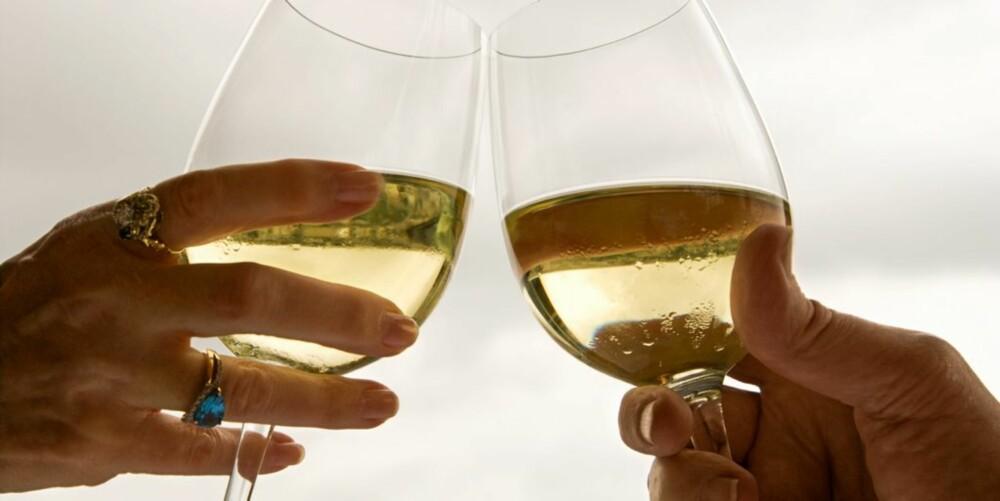 OFTE OG LITE: Kroppen trives bedre med at en heller drikker ofte og lite enn sjeldnere og mye.