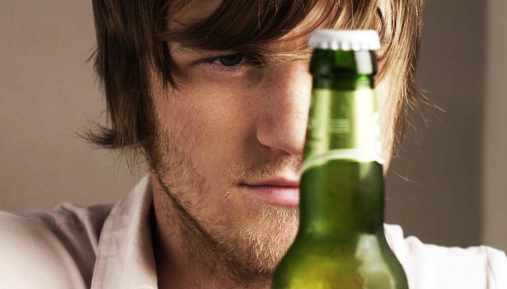KRØLL: Stemmer det at øl og vin gjør deg fin, mens vin og øl bare skaper krøll?
