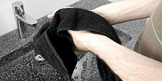 SKITTENT? Selv ikke et helt nyvasket håndkle som nettopp ble tatt ut av tørketrommelen er helt fritt for bakterier.