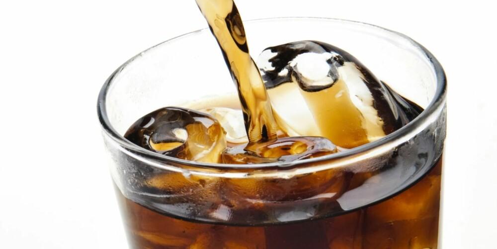 METANOL-TULL: Selv inntak av større doser aspartam gir ikke en målbar forøkelse av blodets normale konsentrasjon av metanol.