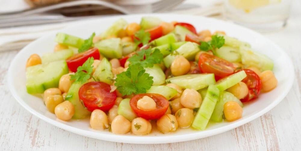 KIKERTER: Kikerter har mindre karbohydrater og mer protein pr 100 gram enn ris.