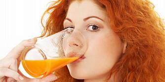 SYRESKADER: Juice er like skadelig som cola for tennene