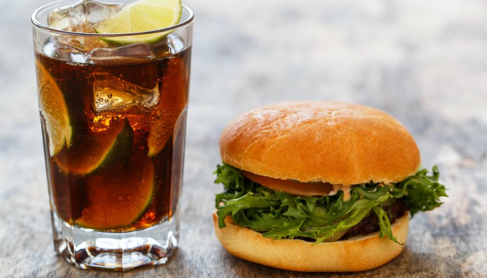 GODE VALG: Kutter du ut noen av godsakene til fordel for sunnere matvarer, reduserer du lett inntaket av kalorier uten å bli sulten. ILLUSTRASJONSFOTO: Colourbox