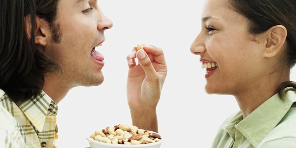 SUNT: Nøtter er for lengst friskmeldt av kostholdseksperter og -myndigheter. Kos deg med god samvittighet.
