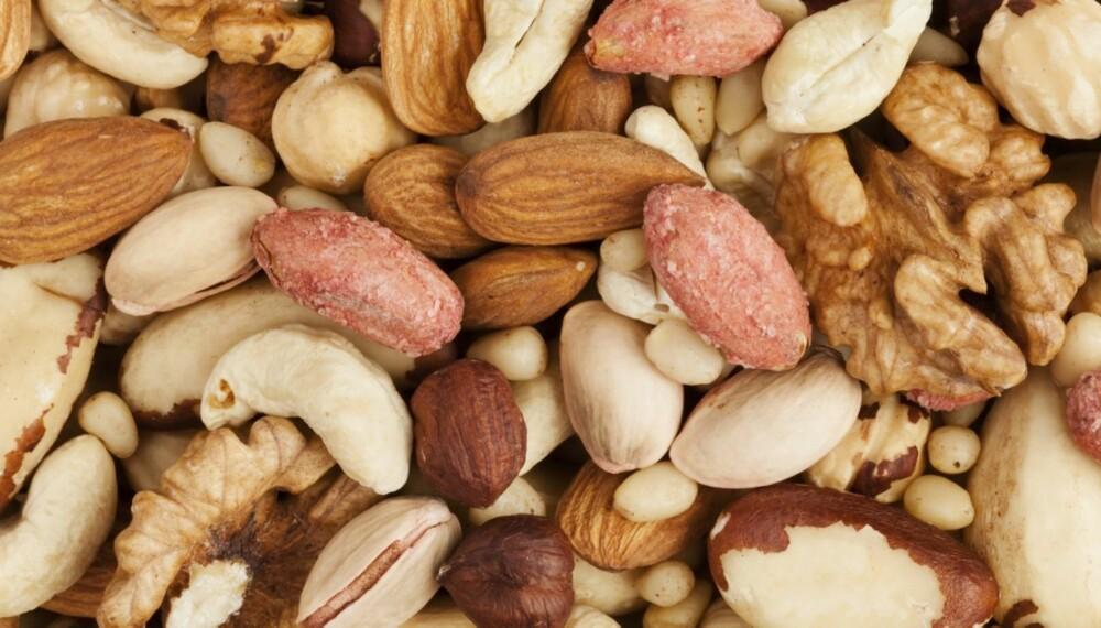 NÆRINGSRIKT: Nøtter metter godt fordi de inneholder mye protein, men felles for alle nøttene er at de er kaloririke fordi de også er fulle av fett. Stort sett er det snakk om sunt fett, men det blir fort mange kalorier.