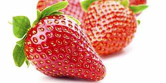 RØDE FRISTELSER: Husk å forsyne deg grådig av jordbærene, mens sesongen varer.