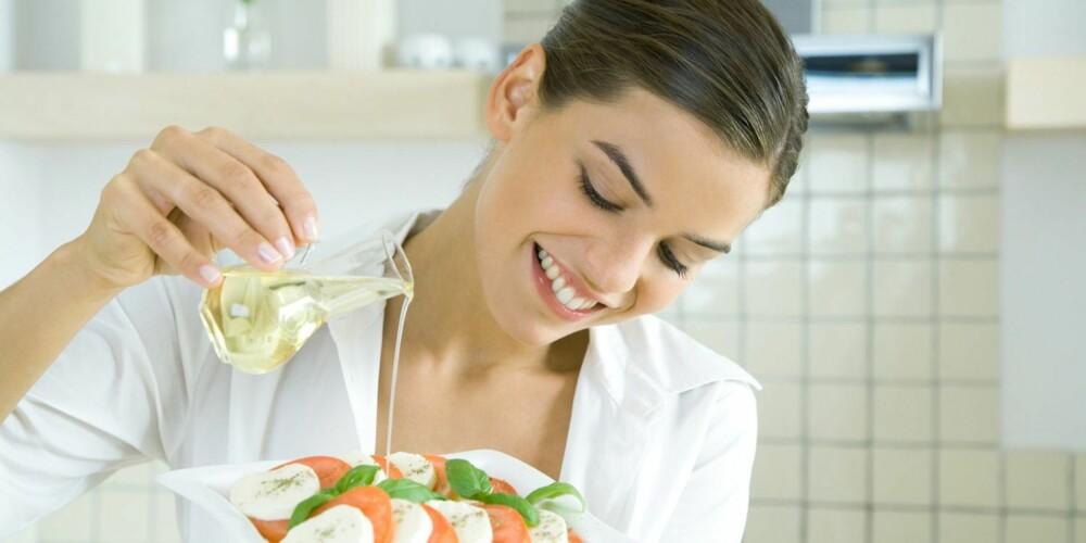 RIKTIG FETT: Velg riktig fett til din rett. Det er ikke alle oljer som passer like godt på salaten.