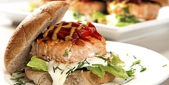 FISK: En lakseburger er sunn og kjapp hverdagsmat.