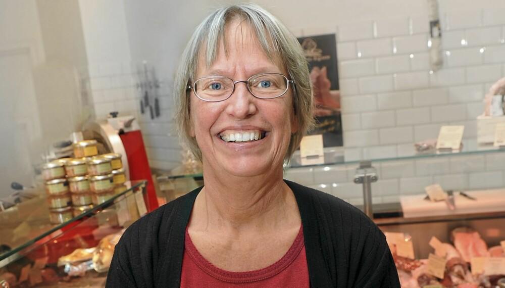 IKKE SØTA BROR: Den svenske legen Annika Dahlqvist mener vi kan kurere mange sykdommer ved å kutte ned på karbohydratene og øke inntaket av fettrike oster, kjøttvarer og annet animalsk fett. Helst bør vi koke alt i meierismør, mener hun.