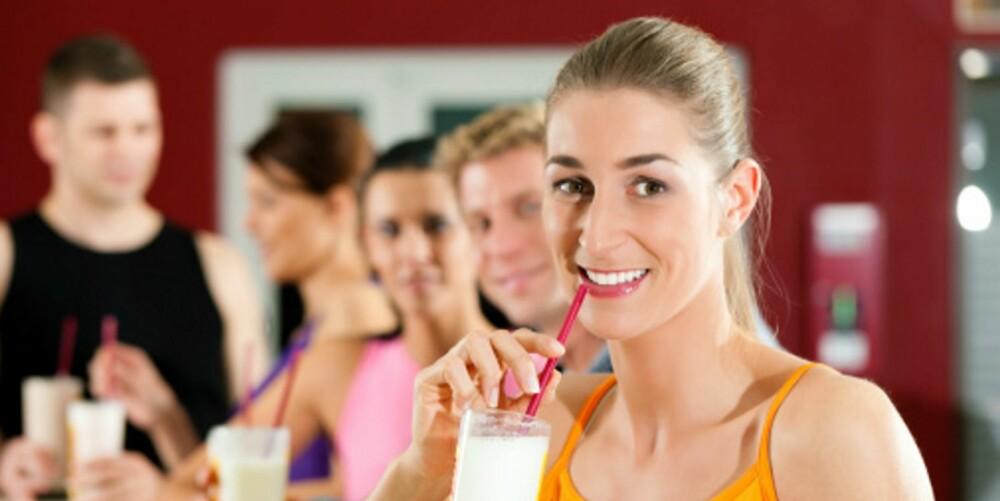 MELK: En halv liter melk eller et glass melk og en yoghurt er det lureste du får i deg etter treningsøkten.