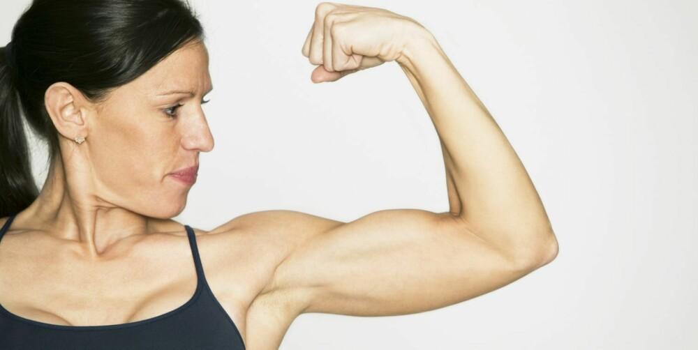 MUSKLER: Mange bruker proteinpulver for å få store muskler.