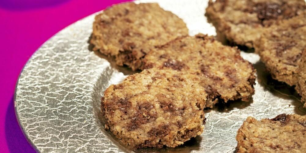 COOKIES: Disse er laget av kokosfett og havregryn.