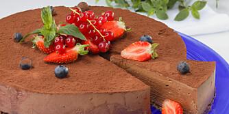 VOKSEN SMAK: Sjokoladeostekake med irish cream.