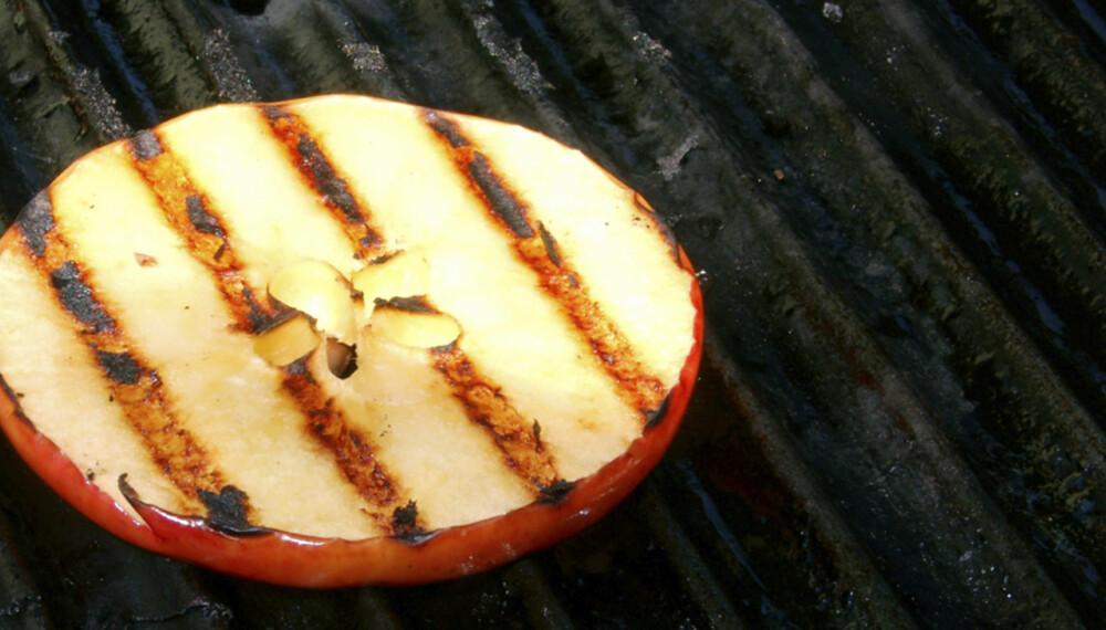 Epler er godt å grille og kan brukes som tilbehør til annen grillmat, eller alene.