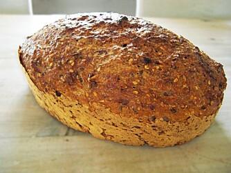 I FORM: Dette brødet skal stekes i en jerngryte eller en ildfast form.