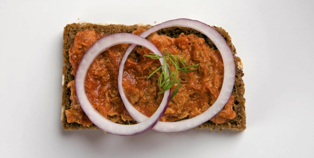 SLANKEMAT: Makrell i tomat er ypperlig slankemat, særlig om den spises på grovt knekkebrød.