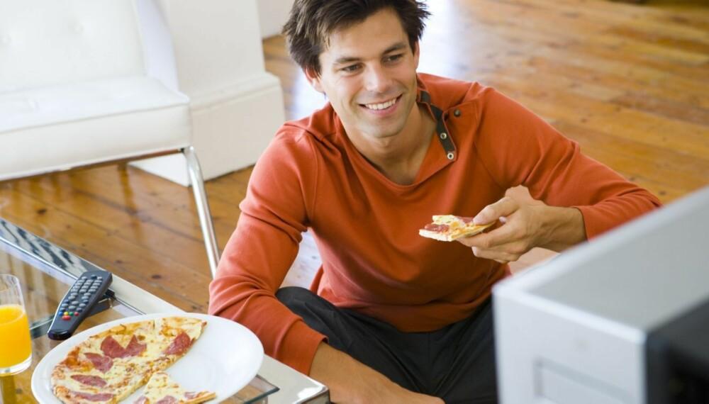 NATTMAT: Når hormonene tar kontroll på kvelden, er det lettere å overspise.