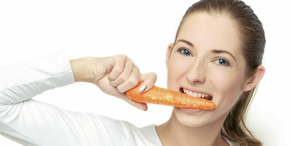 KNASKEGODT: Gulrøtter kan du spise tilnærmet ubegrenset av, selv om du ønsker å gå ned i vekt.
