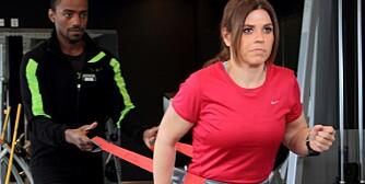 HARDT: Ruth Anderson fra Kløfta har trent seg ned 63 kilo med god hjelp fra personlig trener Nizam Valentino Kerigo.