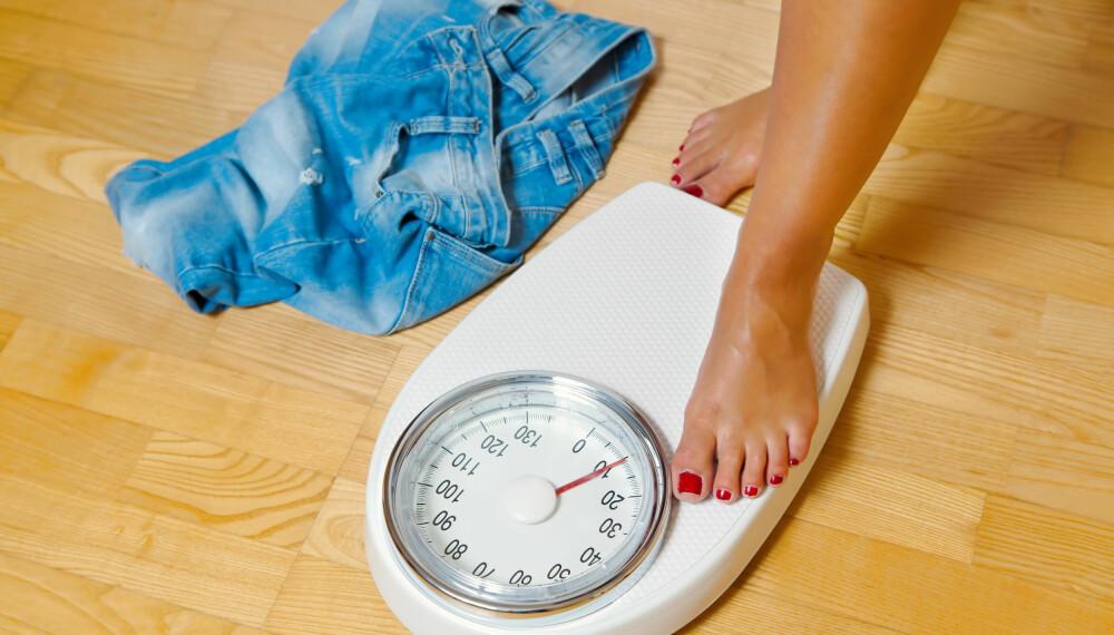 EN BESETTELSE: Hvis du er lett overvektig, men ellers lever sunt, kan det være sunnere å fokusere på å holde vekten enn å strebe etter lavere vekt.