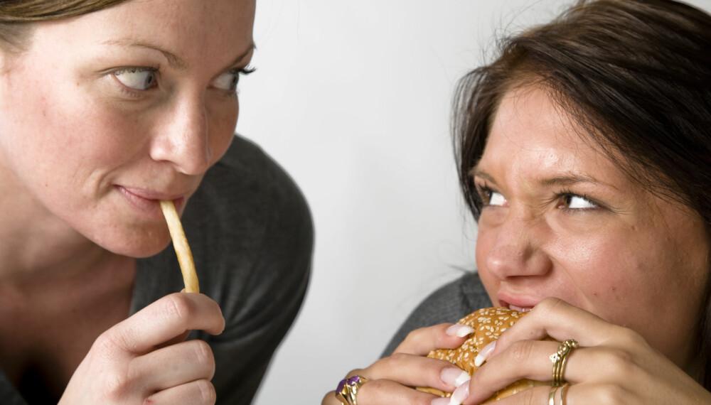 BURGER OG POMMES FRITES: Joda, det er greit med junk-mat av og til.