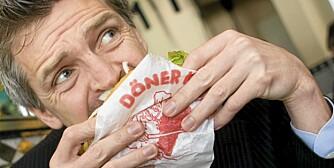ET LITE NATTMÅLTID: En kebab på vei hjem fra byen er light-versjonen av det musene i den britiske undersøkelsen ble utsatt for.