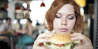 UFORSIKTIG: - Stress gjør at man er mindre konsentrert på hva, og hvor mye man spiser, sier psykolog Karen Kollien Nygaard.