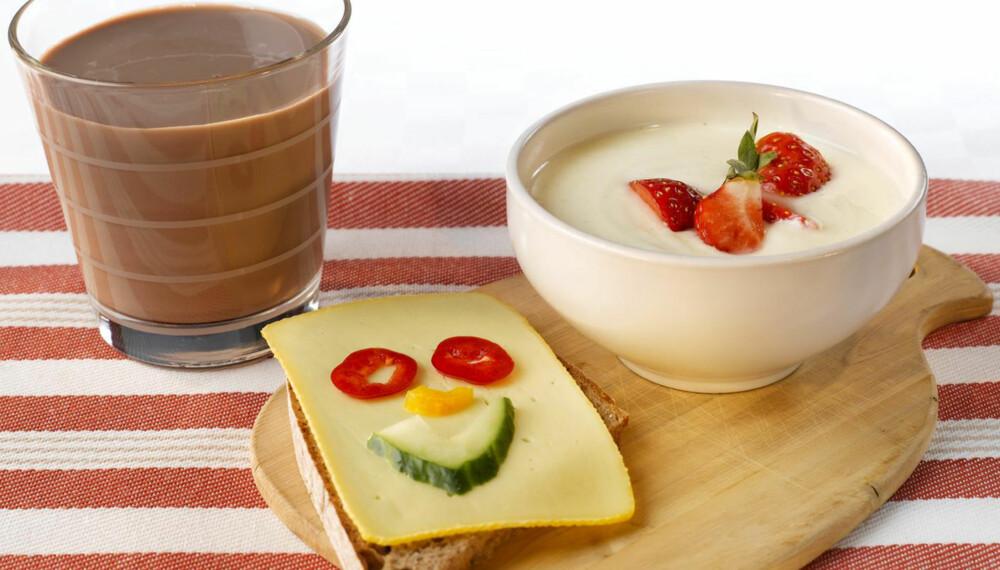 3 OM DAGEN: Består frokosten din av dette, har du sikret det anbefalte kalsiuminntaket på 800 milligram daglig. FOTO: Melk.no